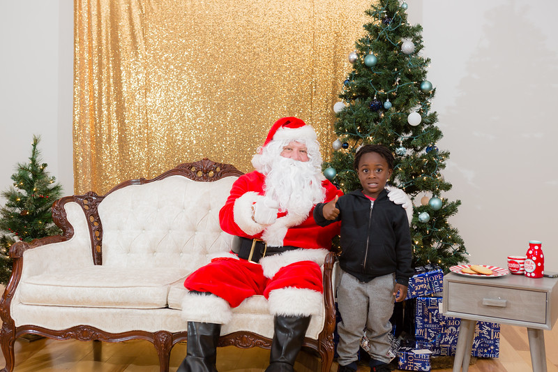 FADS Picture with Santa-275.jpg