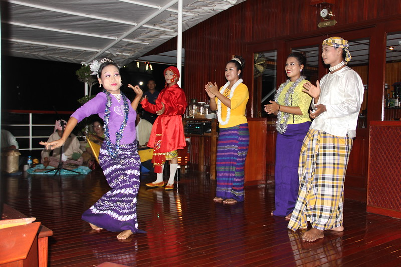 indochina-pandaw_35078396910_o.jpg