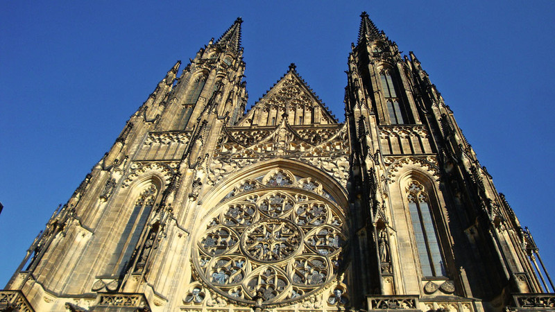 St Vitus Cathedral towers.jpg