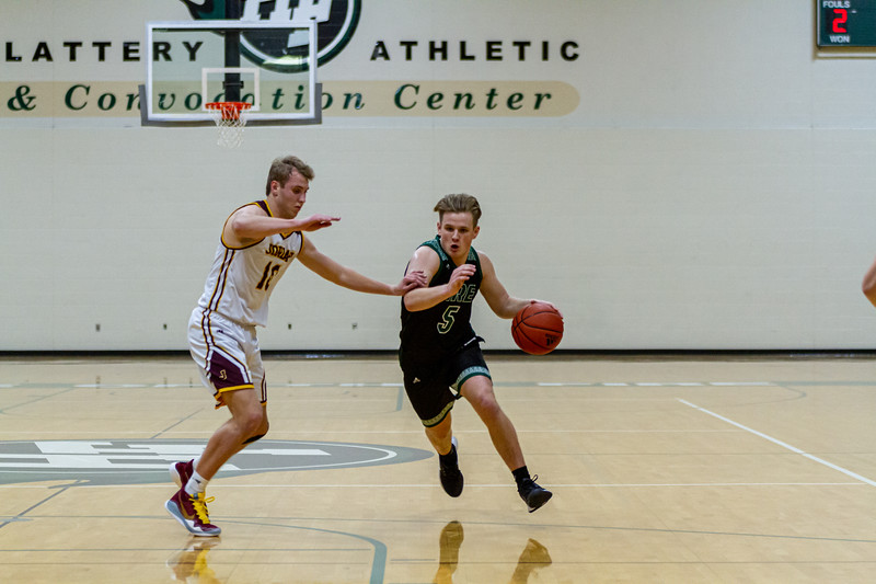 Holy Family Varsity Boys Basketball vs. Jordan, 1/23/20: Nick Hendler '20 (5)