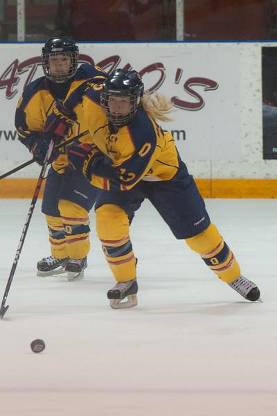 20130310 QWHockeyvsUBC 457.jpg