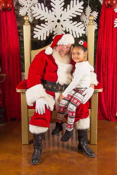 Santa 12-16-17-226.jpg