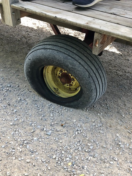 Wagon ride - the tire twisted off