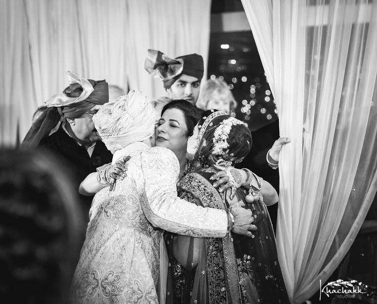 best-candid-wedding-photography-delhi-india-khachakk-studios_63.jpg