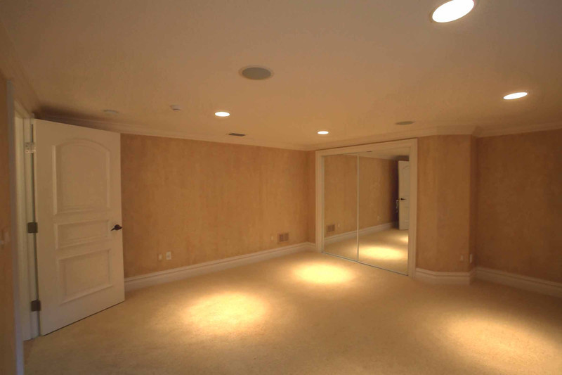 Downstairs Bedroom.jpg