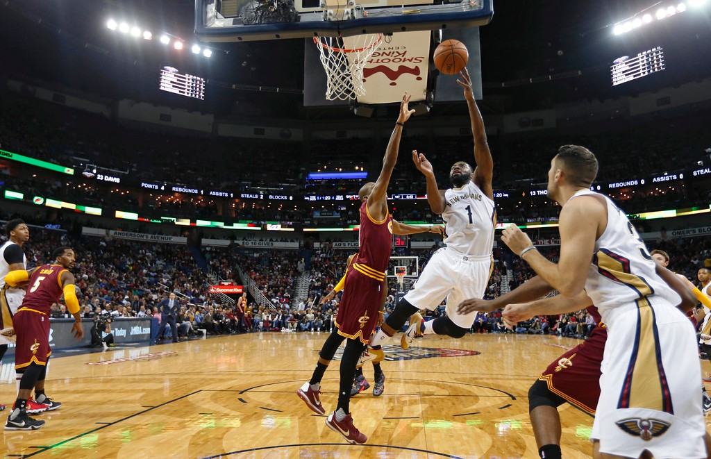 . Cleveland Cavaliers guard James Jones (1) goes to the basket against Cleveland Cavaliers guard James Jones in the first half of an NBA basketball game in New Orleans, Friday, Dec. 4, 2015. (AP Photo/Gerald Herbert)