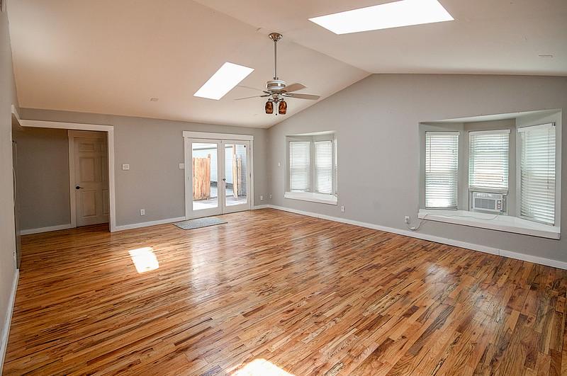 1824 Family Room.jpg