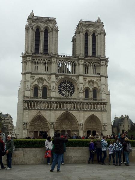 2012-04-10-0001-Debby and Elaine in Paris for Elaine's Winter Break-Notre Dame.jpg