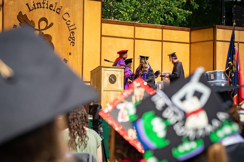 1905_26_graduation_pickhardt-05261.jpg
