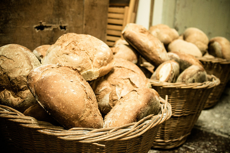bread in baskets.jpg