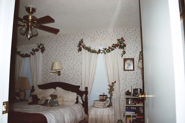 2003-09-30-JerrysHouse