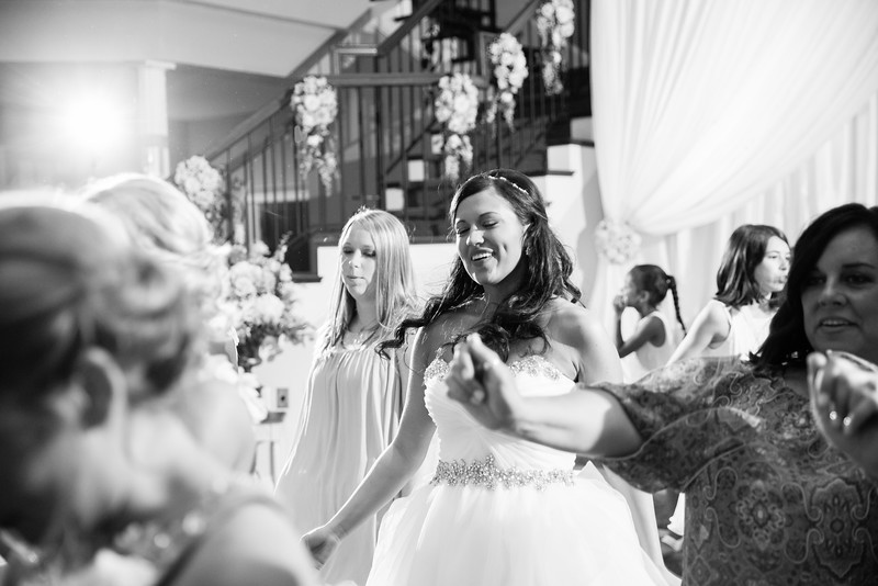 1033_Josh+Lindsey_WeddingBW.jpg