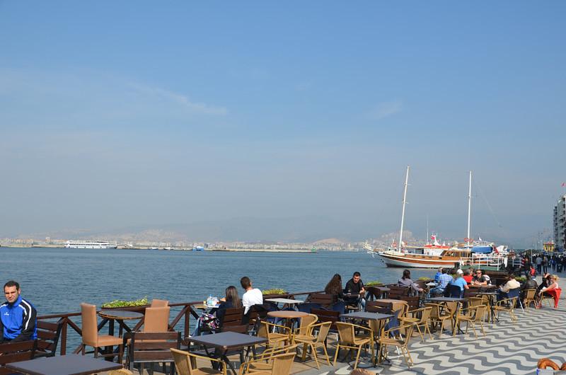 DSC_1879-ataturk-caddesi-waterfront.JPG