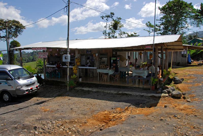 080126 0169 Costa Rica - La Fortuna to San Ramone Bus Trip _L ~E ~L.JPG