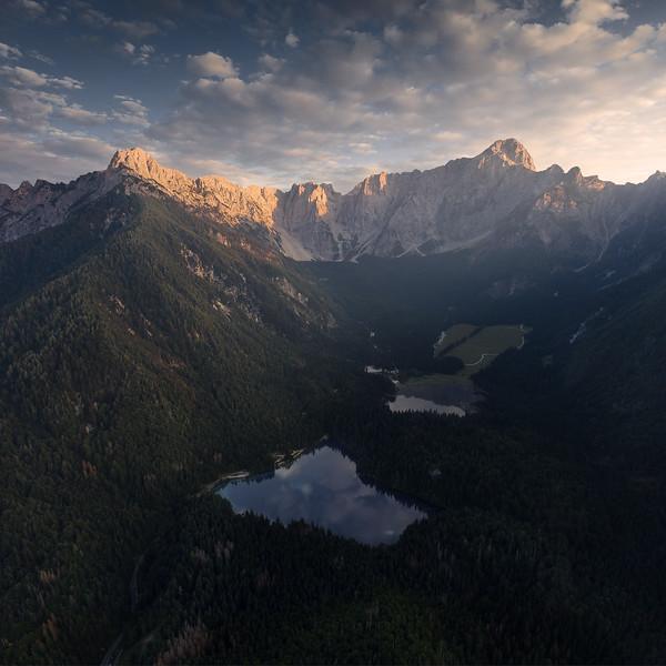 fusine-aerial-sunset-NO-FIRMA.jpg