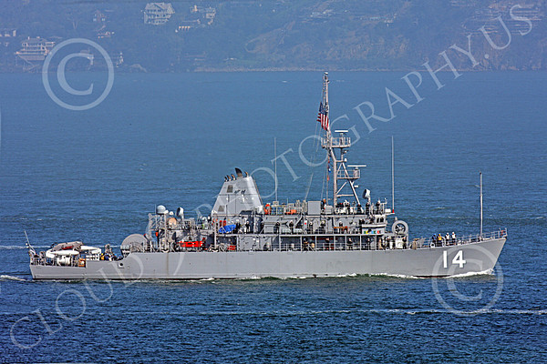 U.S. Navy USS Chief (MCM-14) Avenger-Class Mine Countermeasures Warship Pictures