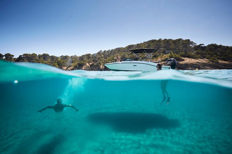 2020-SPX-190-ob-lifestyle-underwater (7).jpg