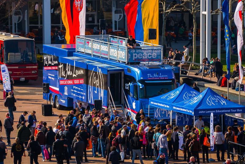 2014_03_12, Frankfurt, Germany, Messe Frankfurt, Bus, Tent, Line, MusikMesse, eu.lb.org