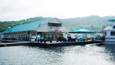 Floating House - Flat Hollow Marina