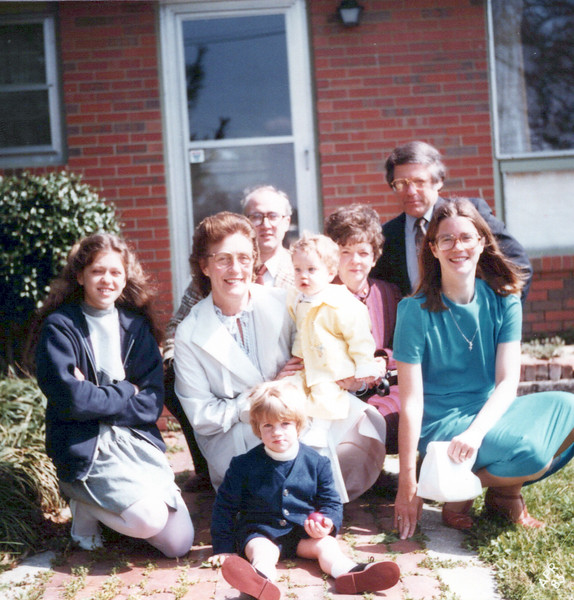1983 Wendy, Viv, Ken, Jan, Marvin AJ, Elaine, Max.jpeg