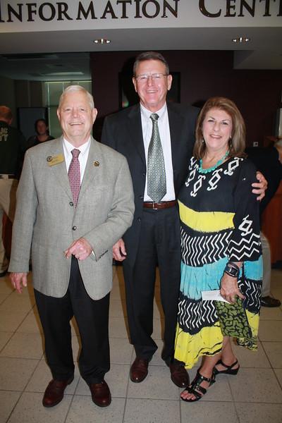 Mike Shupe with David & Linda Thrasher 2.JPG