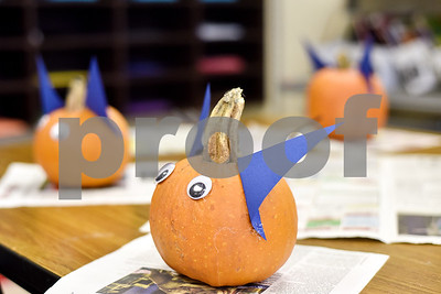 dixie-elementary-school-helps-students-get-into-the-spirit-of-halloween