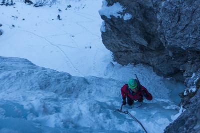 02 17 Tamar, Hidden waterfall ice climbing