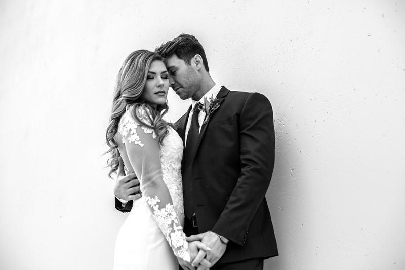 Kate&Josh_B&W_ZACH.WATHEN.PHOTOGRAPHER-241.jpg