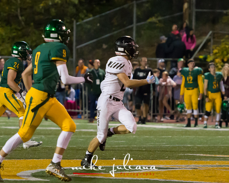 20181012-Tualatin Football vs West Linn-0457.jpg