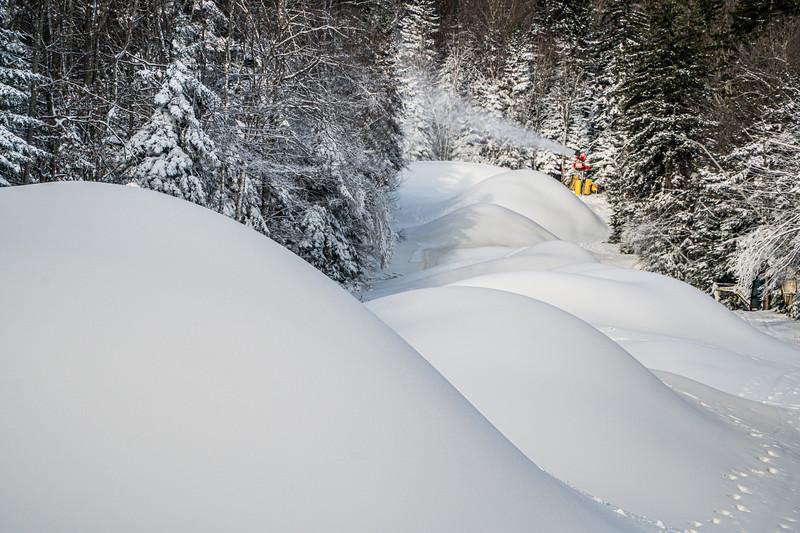 Snowmaking 1920-04834.jpg