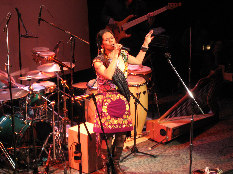 Lila Downs Seattle Mar 07 038.jpg
