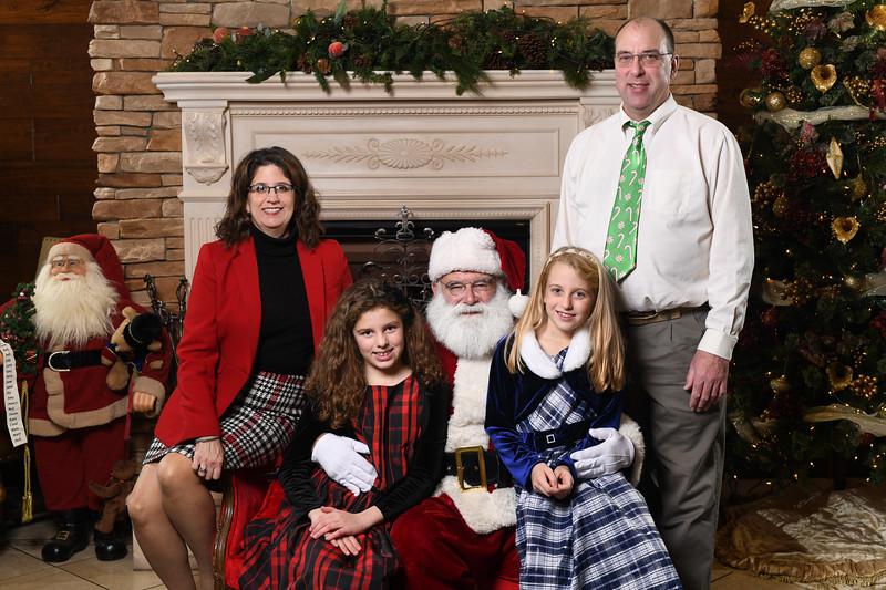 Santa2018.TylerBoye.-112.jpg