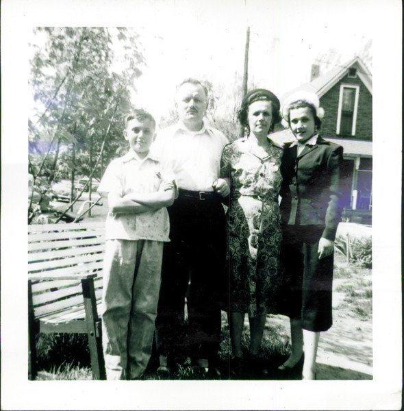 Helen's father, brother, mother & Helen Mazarenko