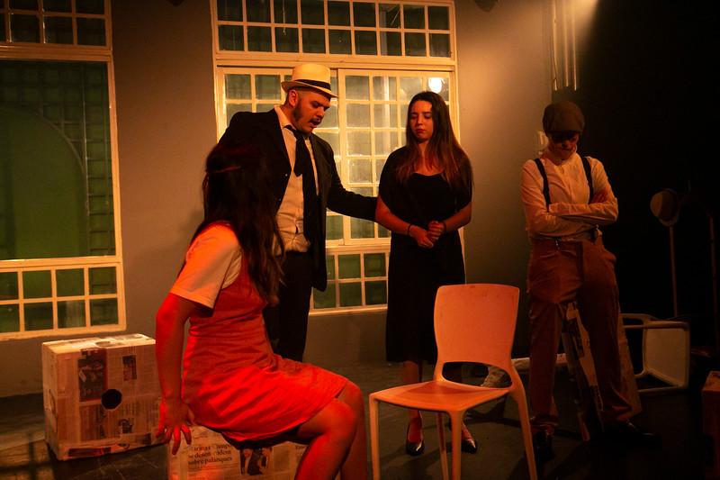 Allan Bravos - Celia Helena - O Beijo no Asfalto-2015.jpg