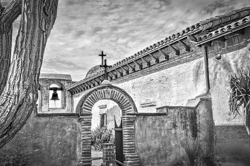 Mission San Juan Courtyard B&W.jpg