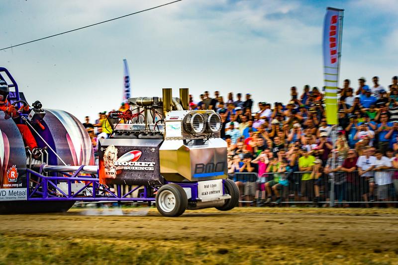 Tractor Pulling 2015-02422.jpg
