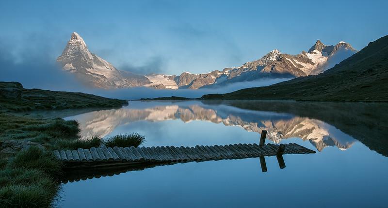 Morning-mist-at-Lake-Stelalacie.jpg