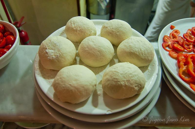 Pizza-rome-italy-9488.jpg
