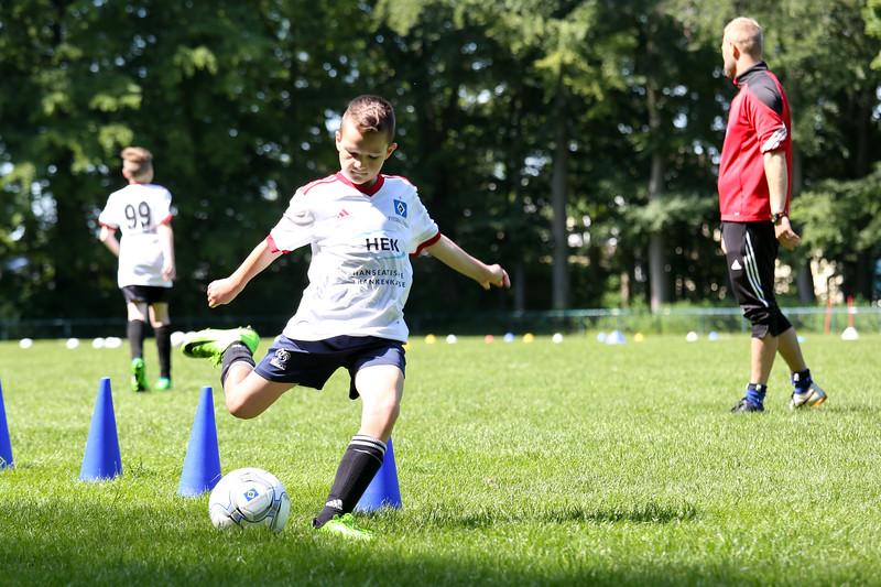 hsv_fussballschule-366_48048035477_o.jpg