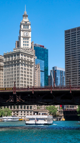 Chicago-Riverwalk02.jpg