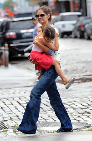2012-07-29 - Katie Holmes and Suri Cruise