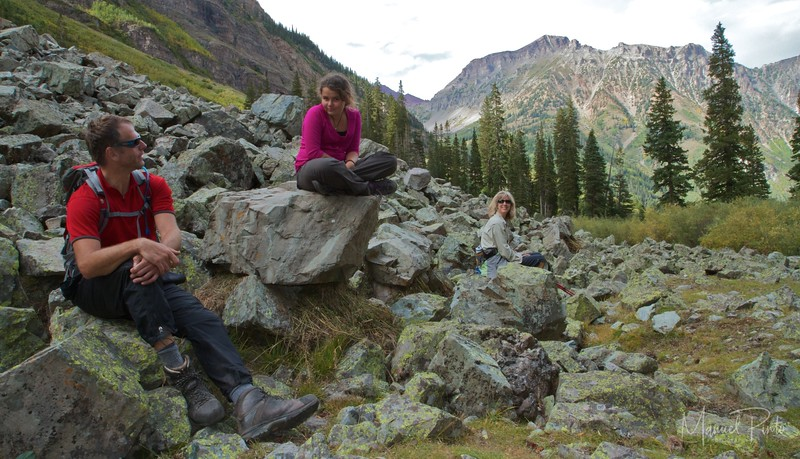 A small hiking break on the West Maroon Trail