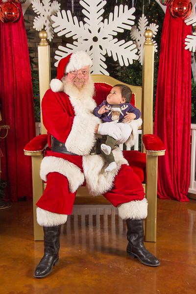 Santa 12-16-17-174.jpg