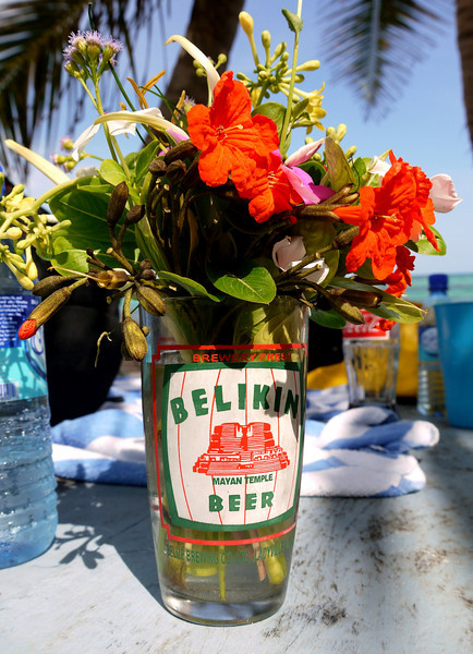 Native floral arrangement.  Bacalar  Chico beach lunch.