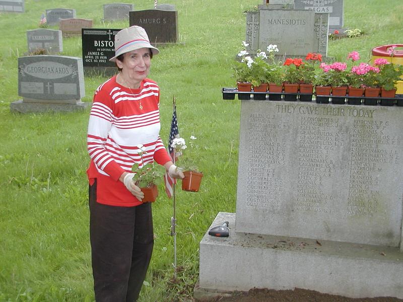 2004-05-15-Cemetery-Cleanup_004.jpg