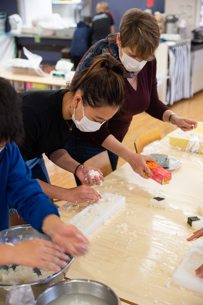 Middle School-Onigiri for the Chiku Center-ELP_4209-2018-19.jpg