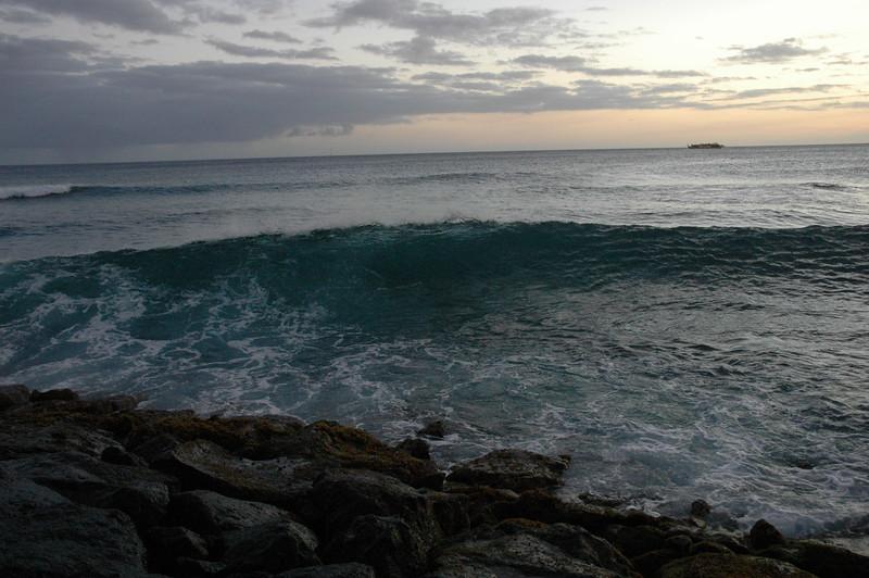 Hawaii - Ala Moana Beach Sunset-183.JPG
