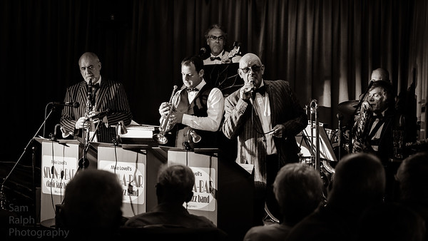 Rochdale Jazz club - Mike Lovell's Jazz Band Six in a Bar