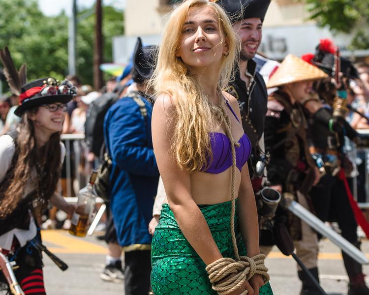 2019-06-22_Mermaid_Parade_2015.jpg
