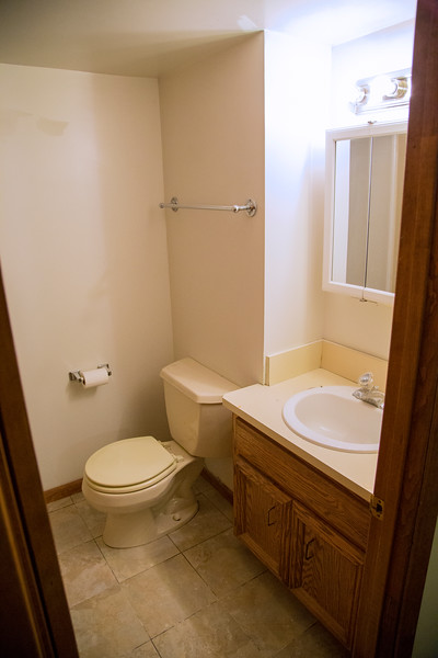 2nd Bathroom #1.jpg